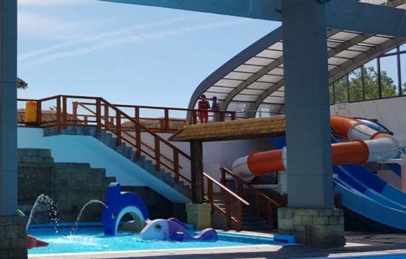 Apertura del nuevo parque acuático cubierto en el Camping Le Farret