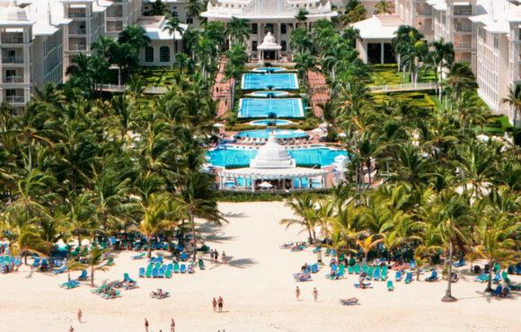 """Destaca Riu gran éxito del nuevo concepto """"Riu Pool Party"""" en Punta Cana"""