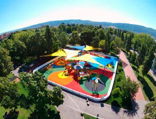 Parque infantil do Tabolado: un dragón y una manzana (+VÍDEO)